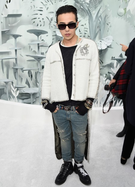 G-Dragon - Chanel Fashion Show - 27jan2015 - Yahoo - 03