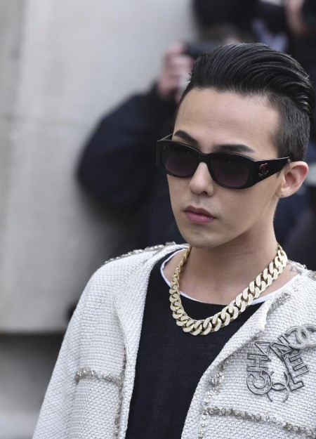 G-Dragon - Chanel Fashion Show - 27jan2015 - Yahoo - 04