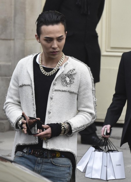 G-Dragon - Chanel Fashion Show - 27jan2015 - Yahoo - 08