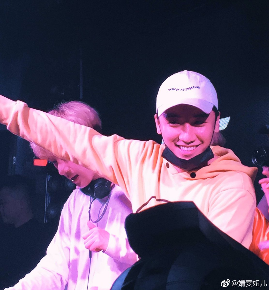 Seungri supporting his NHR DJ Crew in Xiamen China 2017-05-0910 (25)