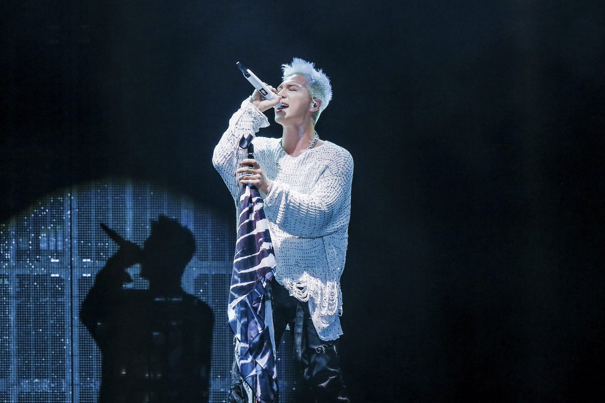Taeyang tour photos [WHITE NIGHT] in Japan (1)
