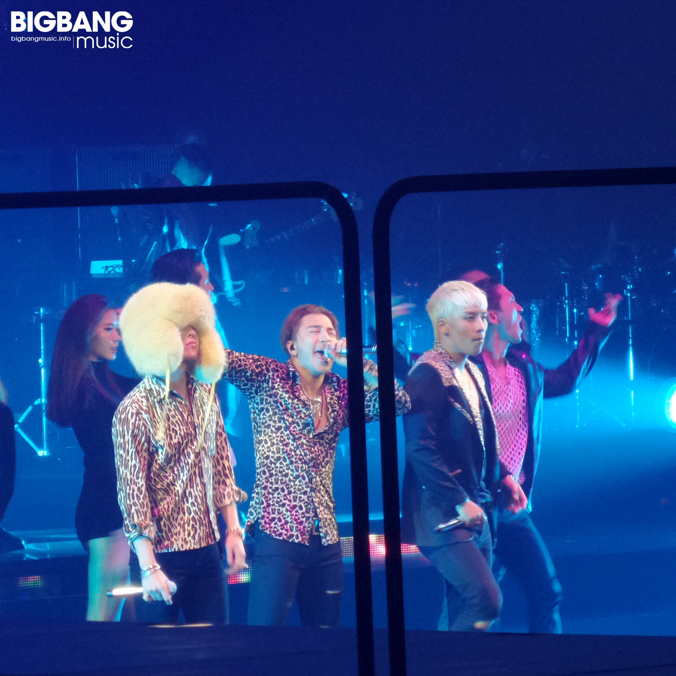 BIGBANG_MADE_in_Anaheim_by_BIGBANGmusic_2015-10-04_3.jpg