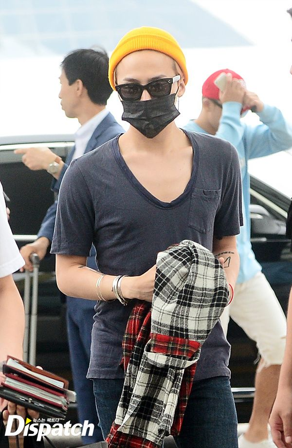 BIGBANG_Seoul_ICN_to_Manila_2015-07-30_Press_003.jpg