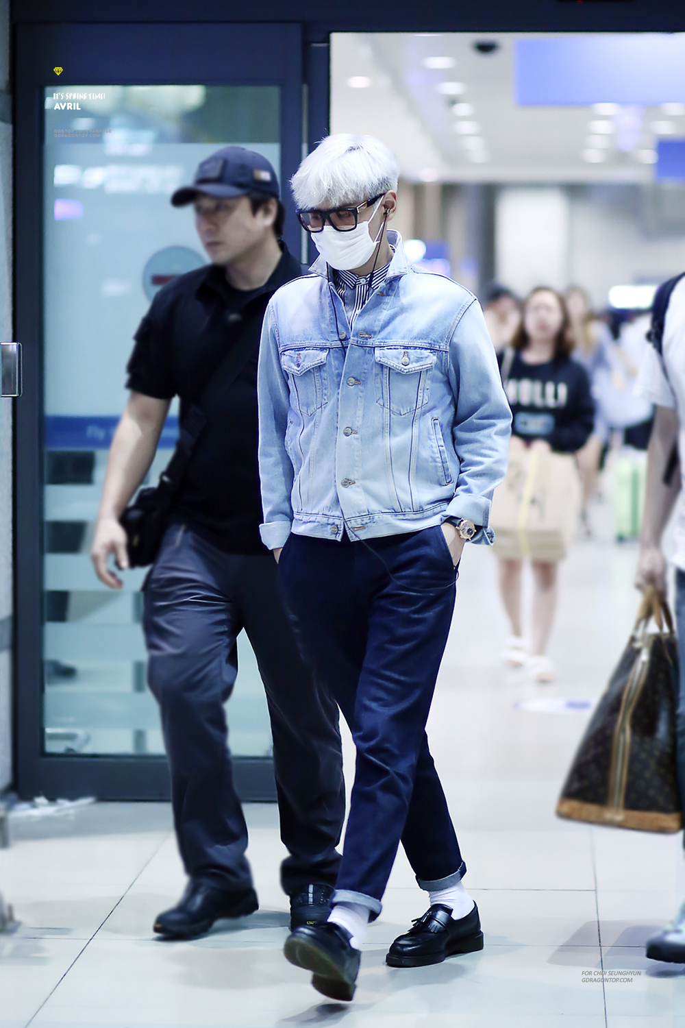BIGBANG_arrival_Seoul_from_Chengdu_-_by_avril_gdtop_2015-08-15_5.jpg