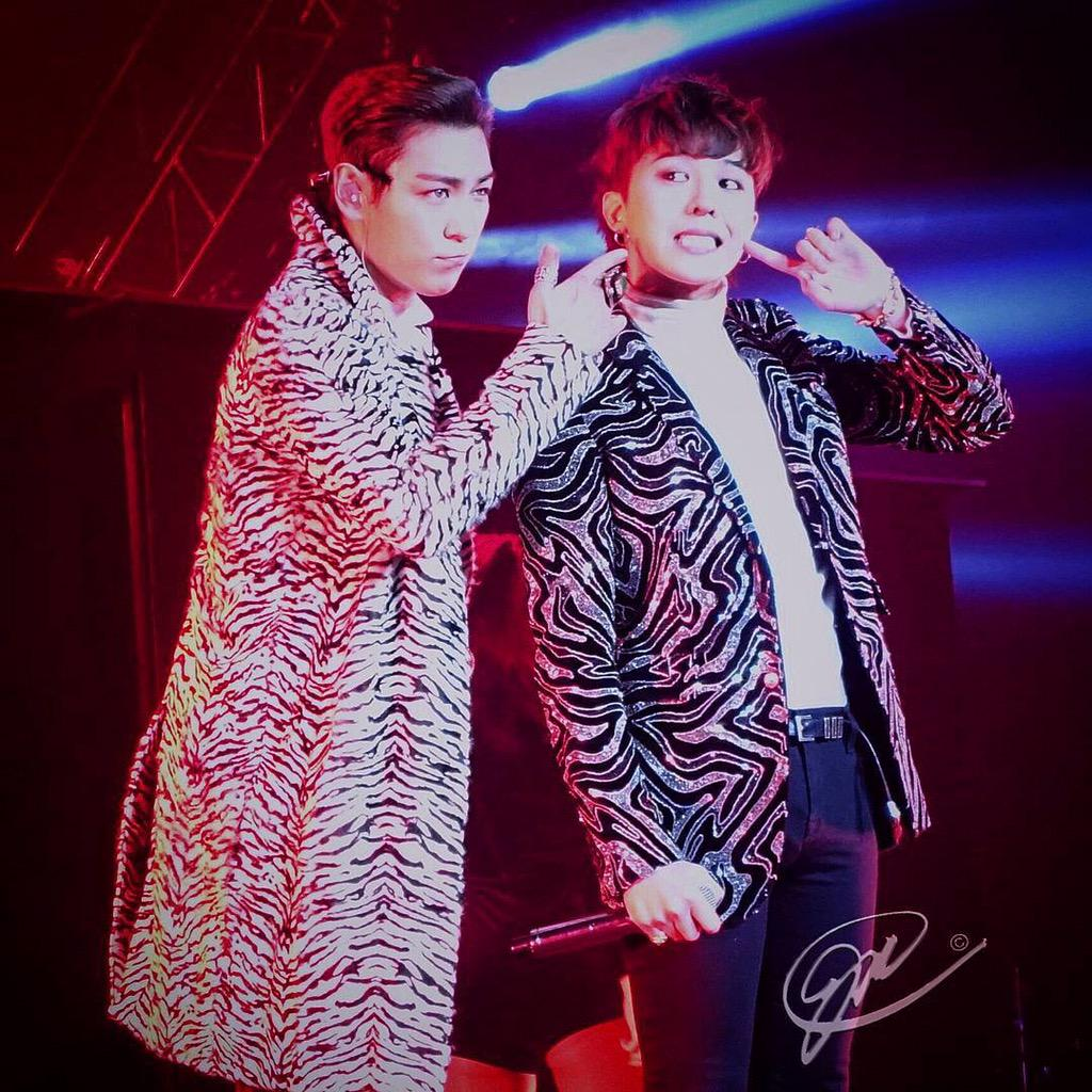 Big_Bang_-_Made_Tour_2015_-_New_Jersey_-_11oct2015_-_Fan_-_01.jpg