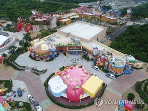 This picture taken on Aug. 8, 2017, shows a theme park in Jeju Shinhwa World under development in Jeju Island. (Yonhap)
