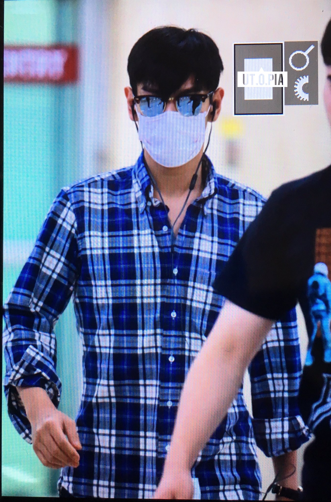 TOP arrival Seoul from Tokyo 2016-08-28 (2)