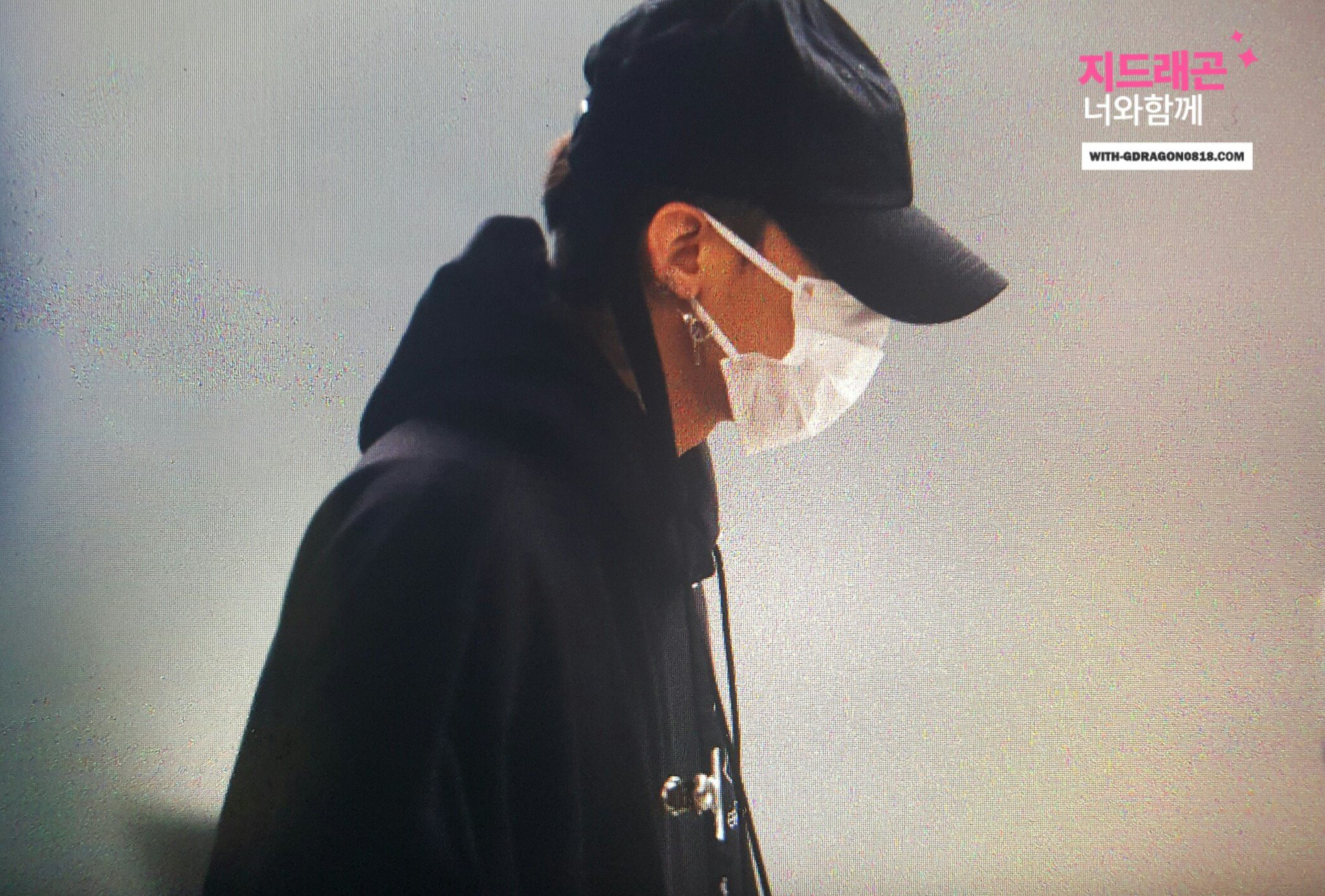 g-dragon-seoul-to-hawwaii-2016-10-22-1
